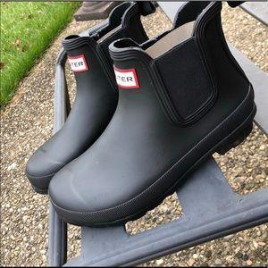 Hunter Matte Chelsea Boot!! Like new!